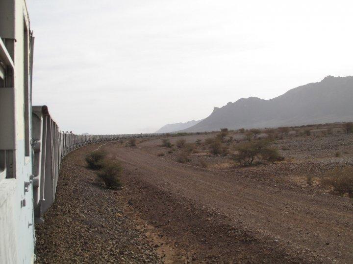 Як виглядає найдовший поїзд у світі? (фото)