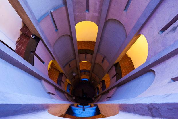 Архітектор перетворив руїни заводу у чудову віллу (фото)