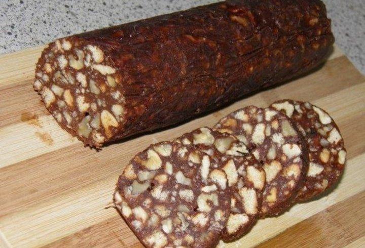 Шоколадна ковбаса - смачний десерт за 10 хвилин