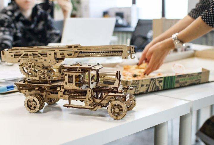 Як український дизайнер придумав дерев'яні конструктори (фото)