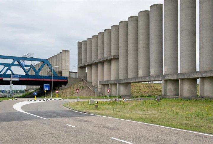 Rozenburg Windwall - вітрова стіна Розенбурга (фото)