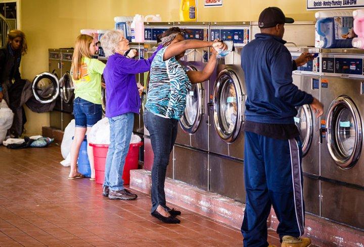 Чому в США досі використовують громадські пральні?