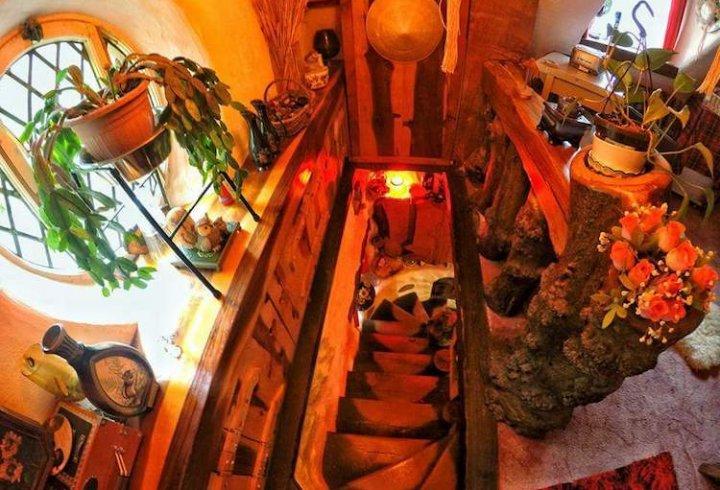 20 років життя в будиночку хоббіта (фото)