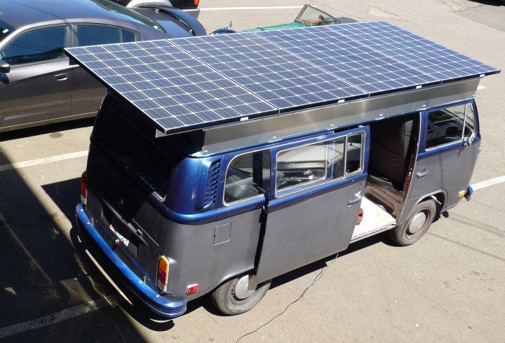 Volkswagen T2 1972 року на електротязі (фото)