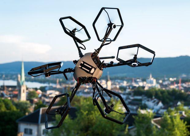 Швейцарці розробили всенаправленний гексакоптер (фото, відео)