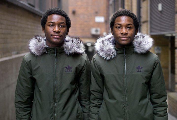 Лондонський фотограф робить фото близнюків (фото)