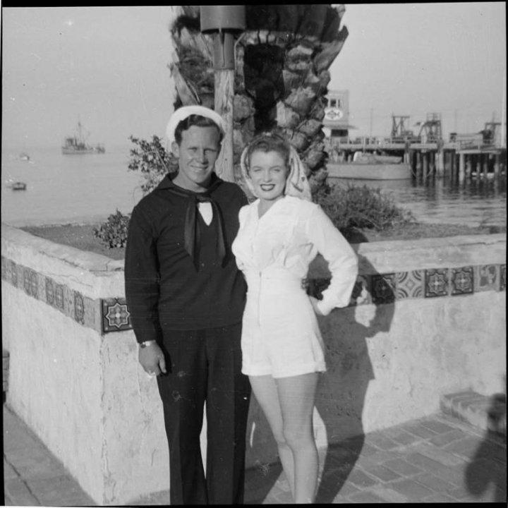 25 фото Норми Джин Мортенсон, до того, як вона стала Мерилін Монро