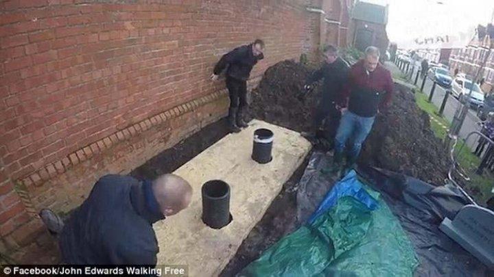 Колишній наркоман поховав себе заживо в труні з Wi-Fi (фото)