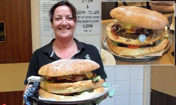 Якщо ви впораєтеся з цим бургером, вам дадуть $100 (фото)