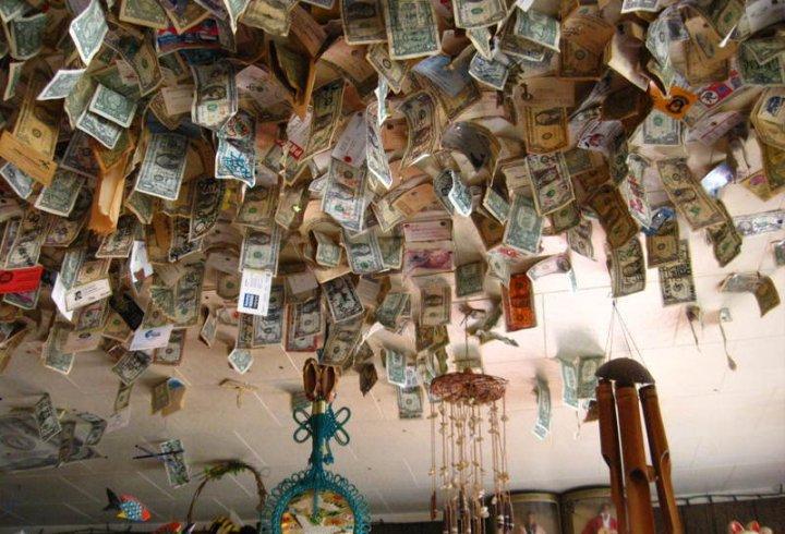 Прибирання в ресторані принесло прибуток в 10 000 доларів