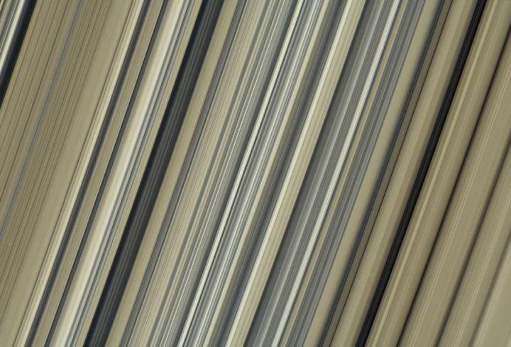 Фантастичні фото Сатурна, зроблені під час місії Cassini (фото)