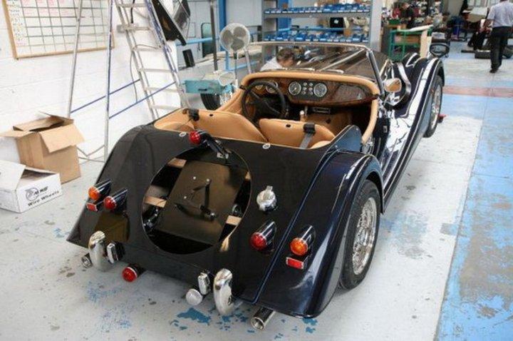 Як збирають автомобіль Morgan Aero 8 (фото)