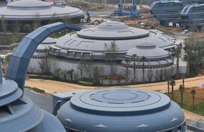 Китай завершує будівництво першого в світі парку віртуальної реальності (фото)