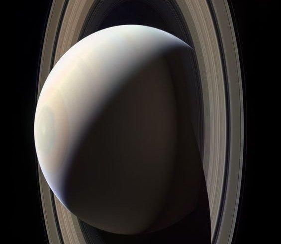 Зображення Сатурна, зроблені з апарата Кассіні (фото)
