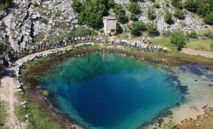 Витік річки Цетіни в Хорватії (фото)