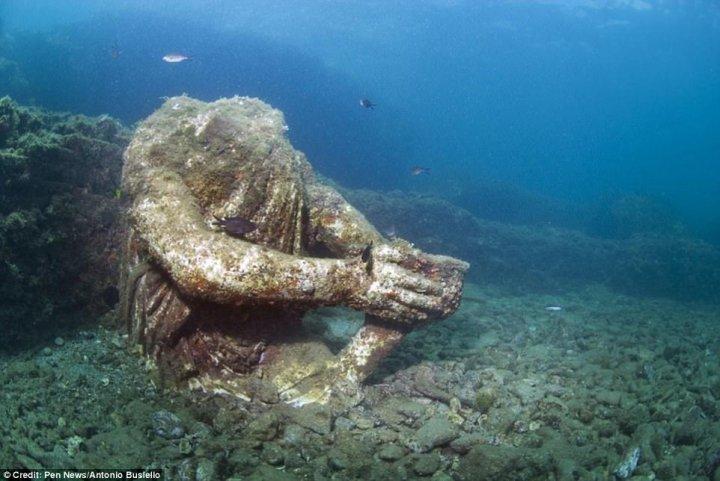 Байї - затонуле місто-курорт аристократів стародавнього Риму (фото)