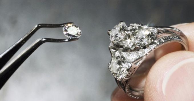 Чому алмази так дорого коштують? Це грандіозна афера!