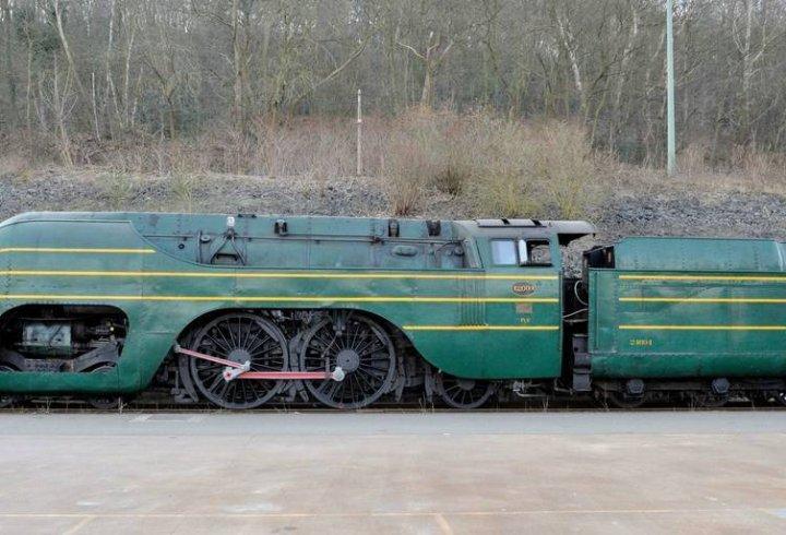 Останній збережений паровоз обтічної форми (фото)