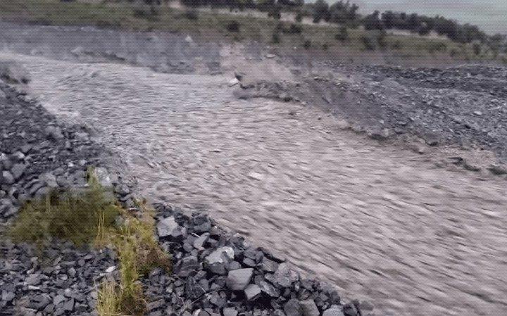 Найнебезпечніший потік в світі: справжня кам'яна річка (відео)