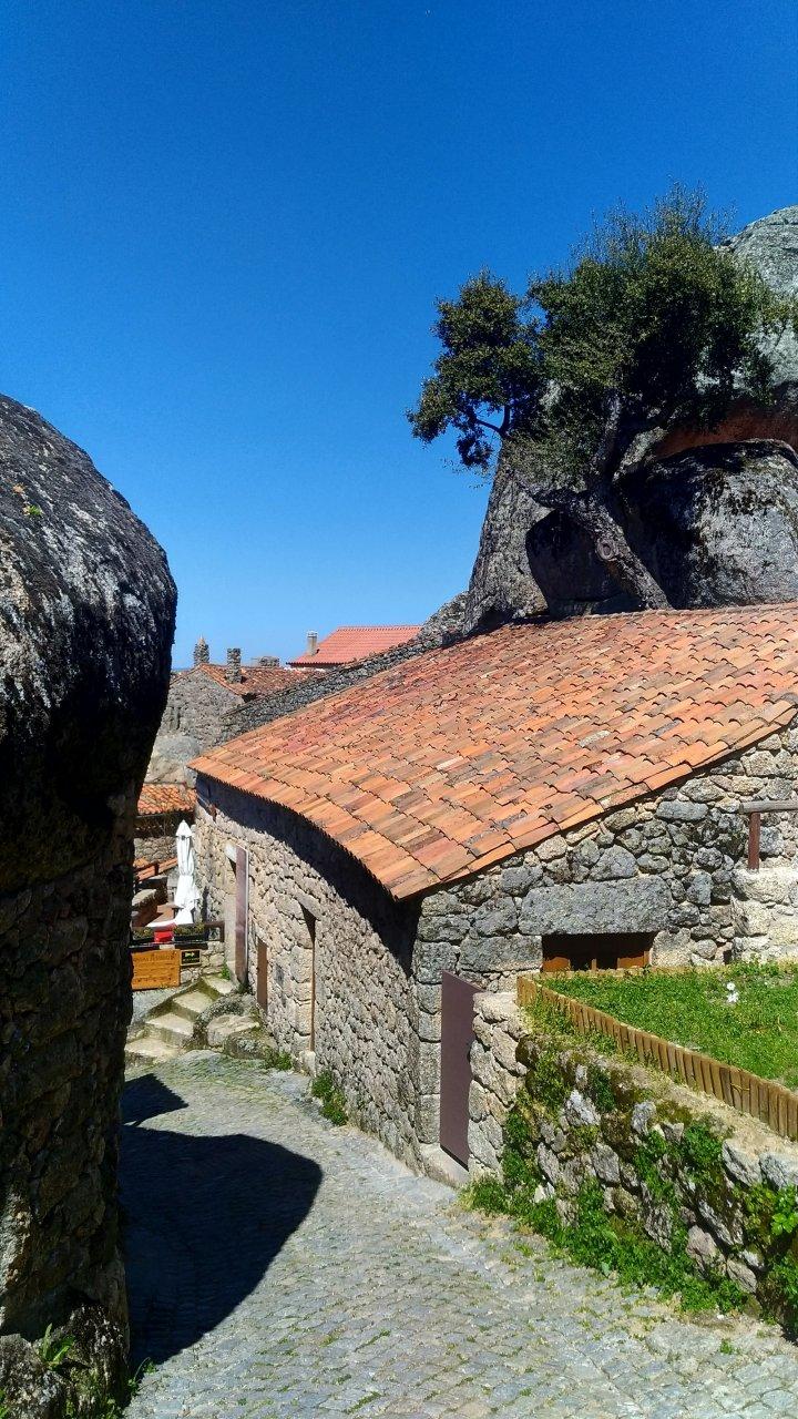Монсанто - найбільш португальське село Португалії (фото)
