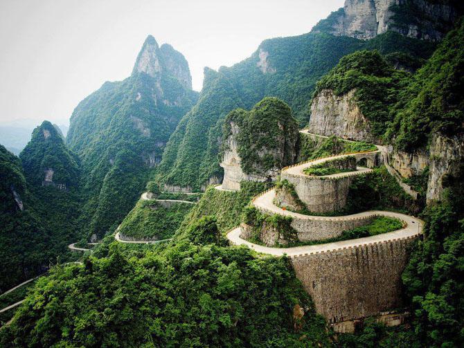 7 найзахопливіших і наймальовничіших доріг світу (фото)