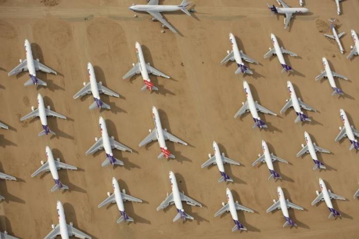 Пустеля, де помирають 300 000 автомобілів і цілий парк авіалайнерів