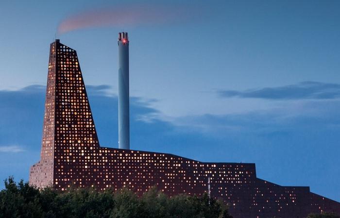 Як голландський архітектор перетворив сміттєспалювальний завод в світлове шоу