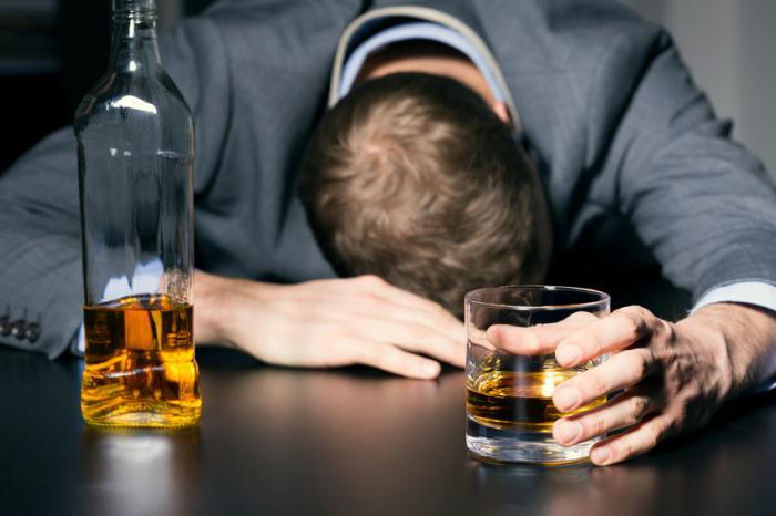 Алкогольний зрив (чому алкоголік починає знову пити)
