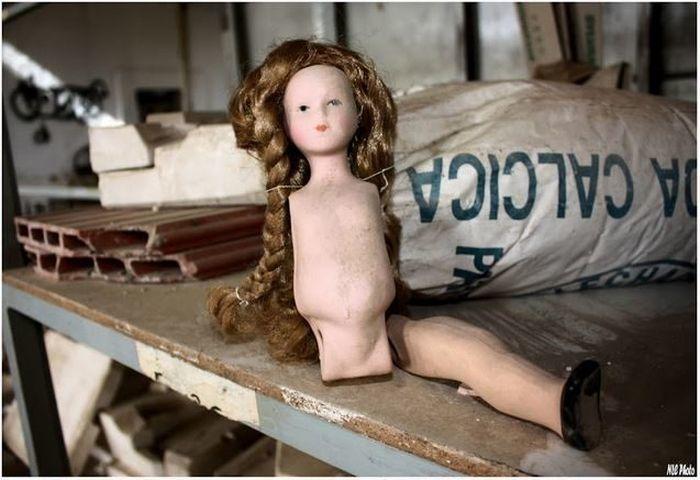 Покинута лялькова фабрика (фото)