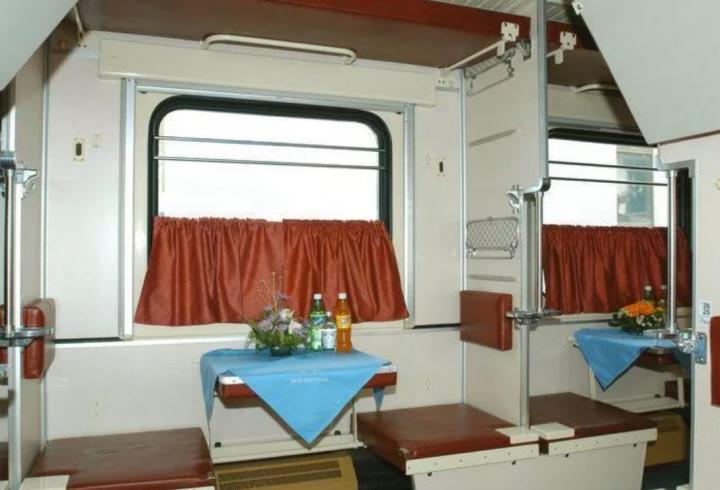Чому найкраще місце у вагоні - верхнє бокове біля туалету