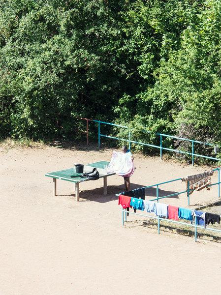Життя тенісного столу, який використовували для чого завгодно, крім тенісу (фото)