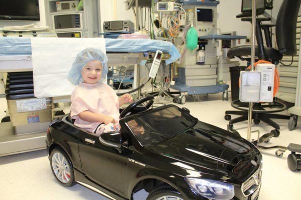В дитячій лікарні замінили каталки на іграшкові автомобілі