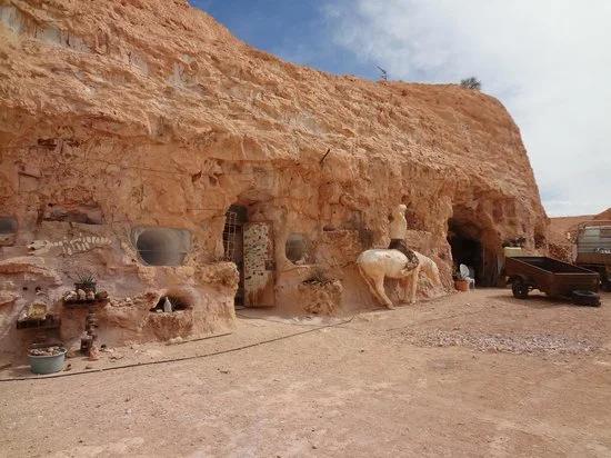 В Австралії є місто, яке можна побачити лише зазирнувши в яму (фото)