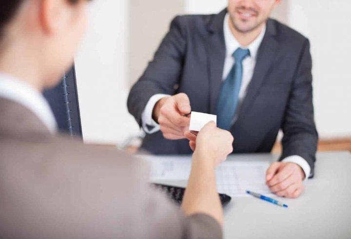 9 слів, яких не можна говорити під час обговорення з роботодавцем майбутньої зарплати