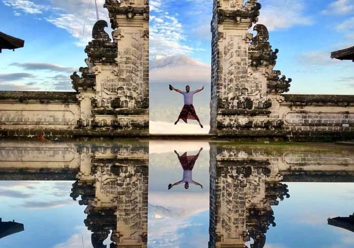 Фейкові фото приваблюють до цієї пам'ятки на Балі сотні туристів