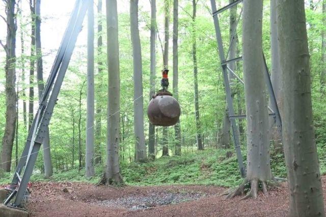 4-тонна куля для створення штучного землетрусу