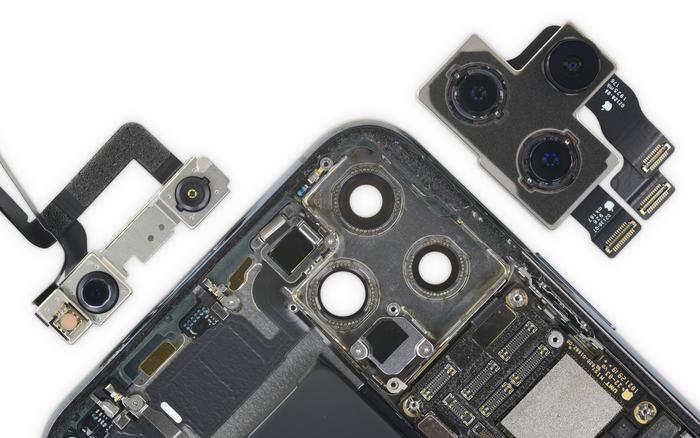 Що всередині iPhone 11 Pro Max? (фото)