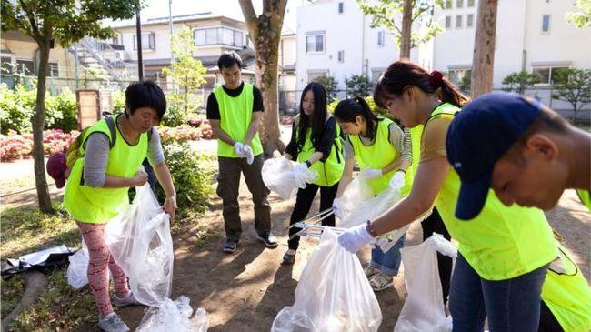Японія: країна, де на вулицях немає двірників та смітників