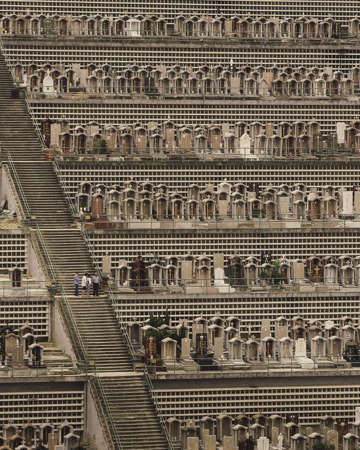 Вертикальні кладовища Гонконгу (фото)