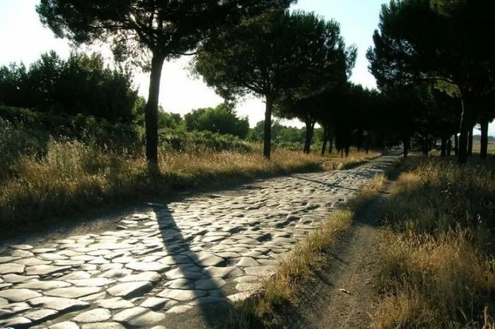 Чому всі дороги ведуть в Рим?