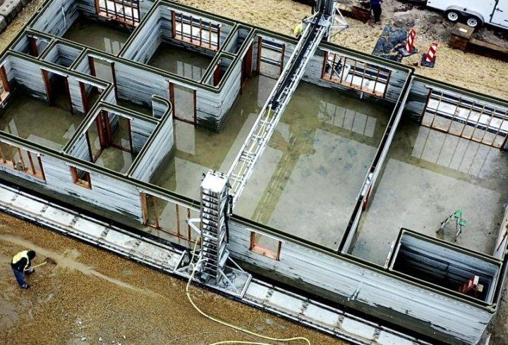 3D-принтер надрукував величезний будинок з бетону в найкоротші терміни