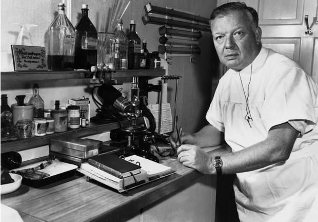 7 небезпечних експериментів, які вчені проводили над собою