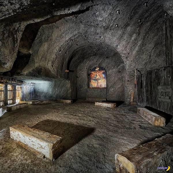 Соляна шахта XIII століття в польському місті Величка (фото)