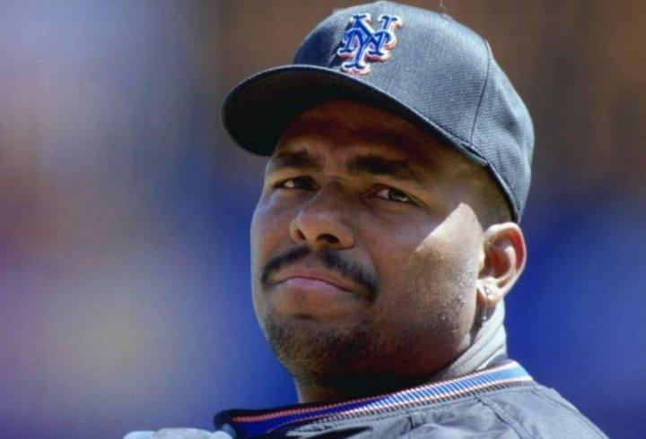 Бейсболіст, який вийшов на пенсію 20 років тому, щороку отримує $ 1,2 млн завдяки шаленій угоді