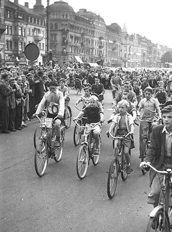 Як «Сталевий дід» проїхав на велосипеді через всю країну і виграв гонку (фото)