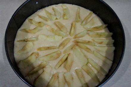 Італійський сільський яблучний пиріг