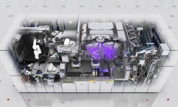 У світі є кілька «машин цивілізації», а їхній виробник тримає в кулаці весь ринок електроніки