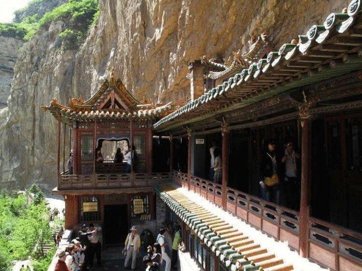 Монастир Сюанькун-си: храм, що ширяє в повітрі (фото)
