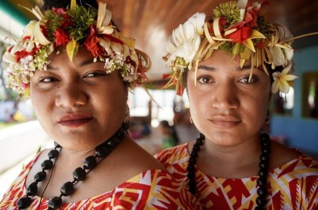Як живуть люди в невеликій тихоокеанській країні Тувалу, яка рано чи пізно піде під воду (фото)