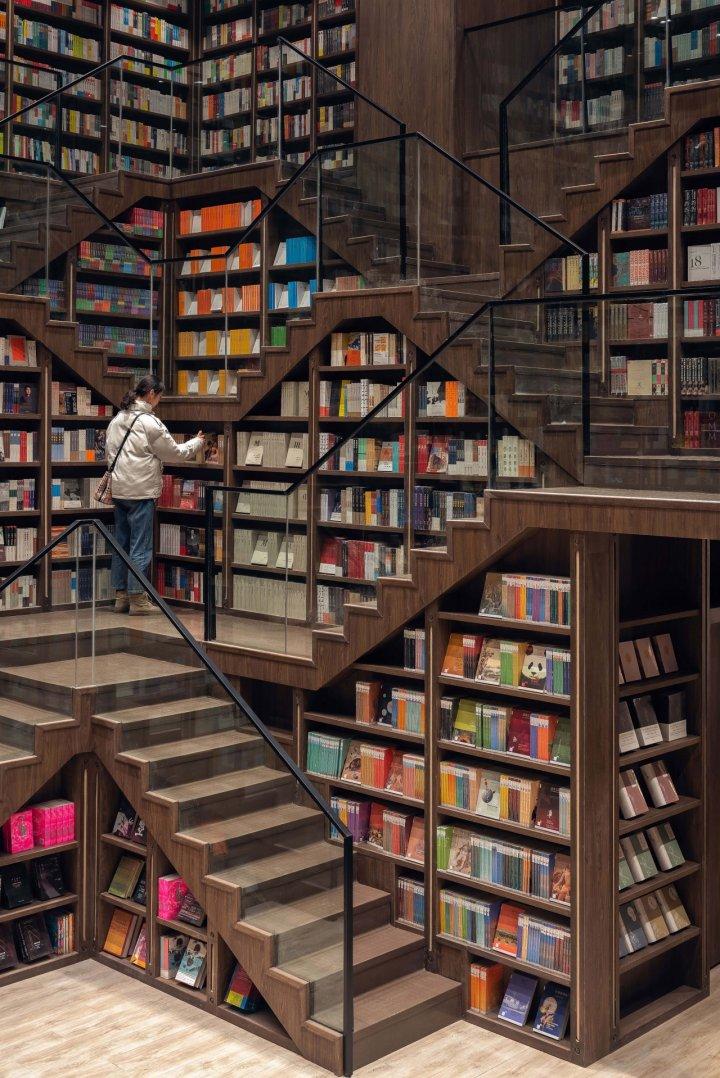 Zhongshuge - нова книгарня в місті Дуцзяньянь на південному заході Китаю (фото)